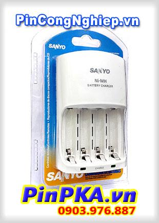 Bộ sạc Pin AA AAA Sanyo NC-MQN06U (Không kèm Pin) của Mỹ